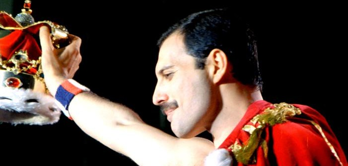 Queen-Freddie-Mercury-singer-album_701x394