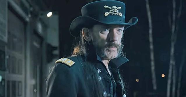 Vídeo homenaje a Lemmy de muchas bandas en el Hellfest