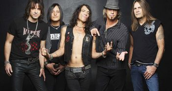 FEA Members of the Rock and Roll group Ratt from L-R: Warren DeMartini, Carlos Cavazo, Stephen Pearcy, Bobby Blotzer and Robbie Crane. HANDOUT/NOT A BLADE PHOTO.