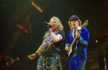 axl-rose-angus-young-acdc-tour