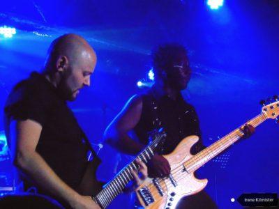 Patricio Babasasa, bajista, y Miguel Ontivero, guitarrista.