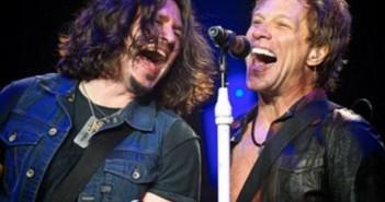 Bon Jovi & Phil x_690x489