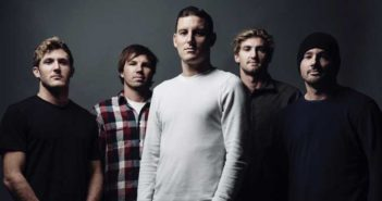 Parkway_Drive_2015_promo
